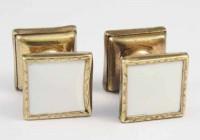 Boutons de manchette en métal doré et celluloid