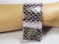 Nice Manchette en cuir façon reptile et bouton argent 1880
